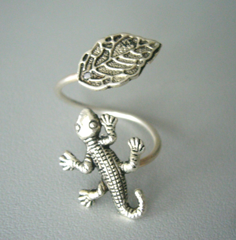 lizard on animals chameleons ring best in iguana pinterest drop images hug hugs silver jewelry rings wrap adjustable animal lizards chameleon around