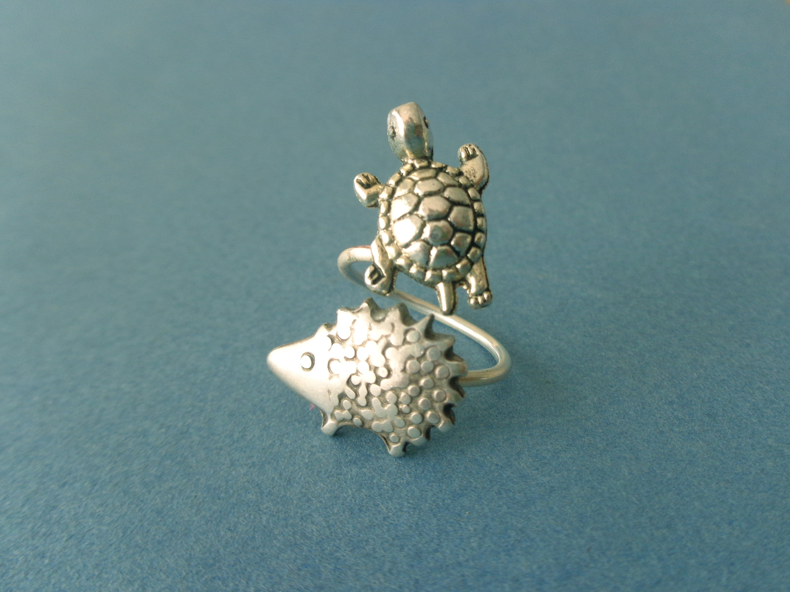 details sterling sea products on pr cute turtles rings triple turtle features from band artisan three adorable charming silver ring kung aeravida nestled thailand handcrafted a this plain